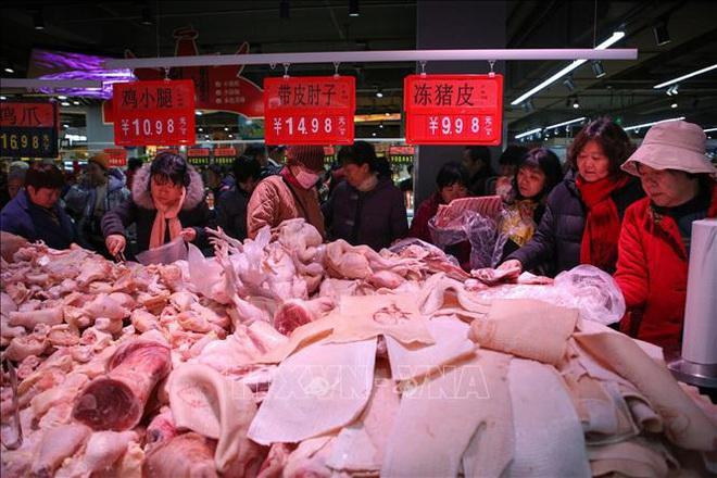 Tăng giá bắp cải gần 4 lần giữa bão virus corona, một siêu thị bị phạt hơn 72.000 USD - Ảnh 2.
