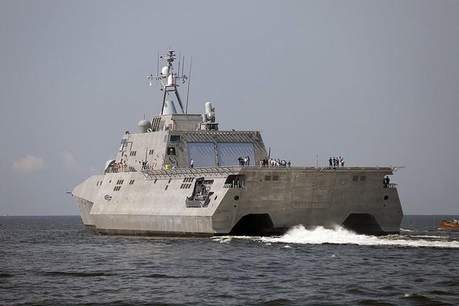 [ẢNH] Quái vật ba thân của Mỹ bất ngờ áp sát đảo phi pháp trên biển Đông - Ảnh 6.
