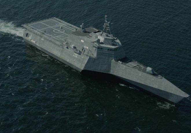 [ẢNH] Quái vật ba thân của Mỹ bất ngờ áp sát đảo phi pháp trên biển Đông - Ảnh 9.