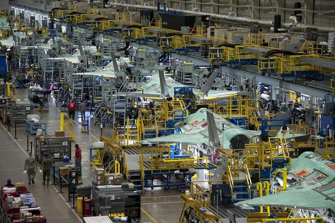 Vận đen của nhà sản xuất máy bay F-35: Pháo 25 mm vô dụng, 800 lỗ hổng chết người? - Ảnh 8.