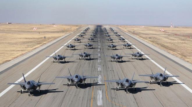 Vận đen của nhà sản xuất máy bay F-35: Pháo 25 mm vô dụng, 800 lỗ hổng chết người? - Ảnh 13.