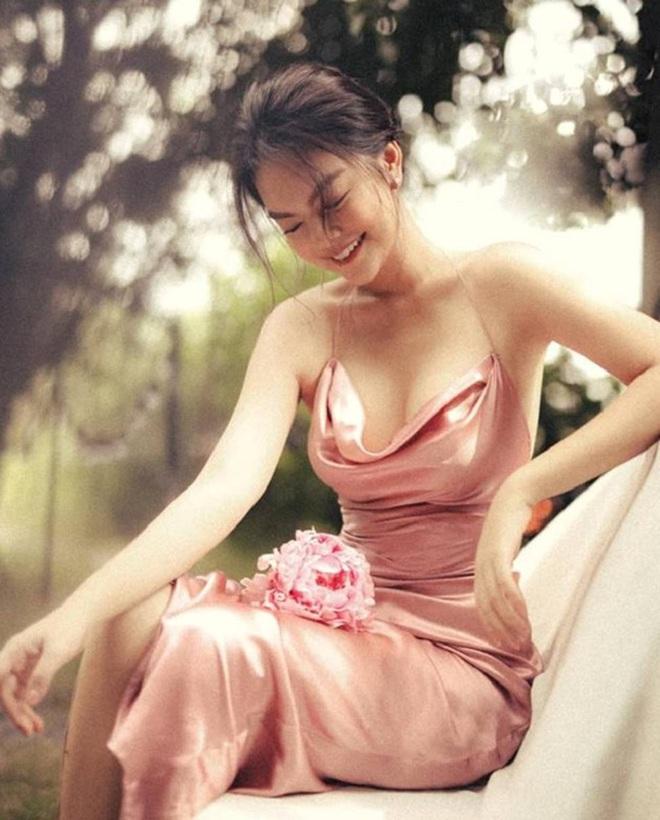 Hình ảnh bikini gợi cảm hiếm hoi của nữ ca sĩ Phạm Quỳnh Anh - Ảnh 7.