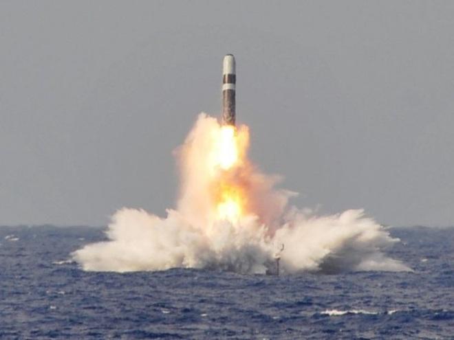 Tàu ngầm hạt nhân Mỹ tuần tra với đầu đạn hạt nhân mới - Ảnh 2.