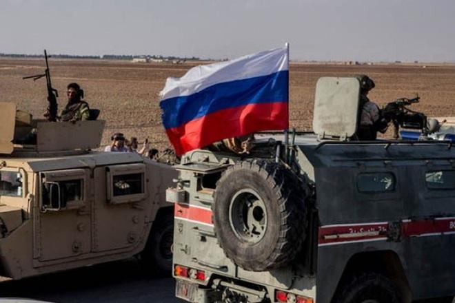 Mỹ bất ngờ tiếp tục chặn đoàn xe tuần tra của quân cảnh Nga - Ảnh 11.