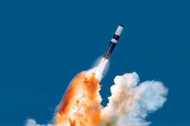 Tàu ngầm hạt nhân Mỹ tuần tra với đầu đạn hạt nhân mới - Ảnh 14.