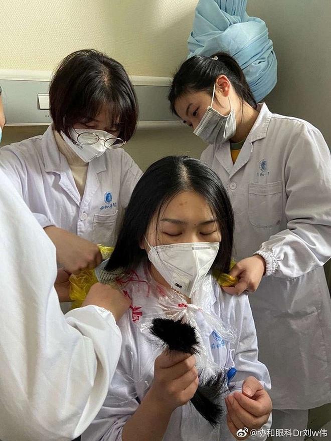 Thông điệp ý nghĩa của Thủ tướng Lý Hiển Long giữa đại nạn virus corona - Ảnh 3.