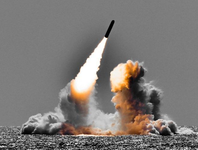 Tàu ngầm hạt nhân Mỹ tuần tra với đầu đạn hạt nhân mới - Ảnh 8.
