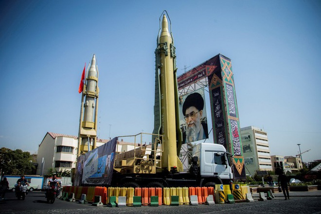 [ẢNH] Tên lửa mang đầu đạn hạt nhân Iran có thể trả đũa Mỹ sau khi tư lệnh bị ám sát - Ảnh 2.