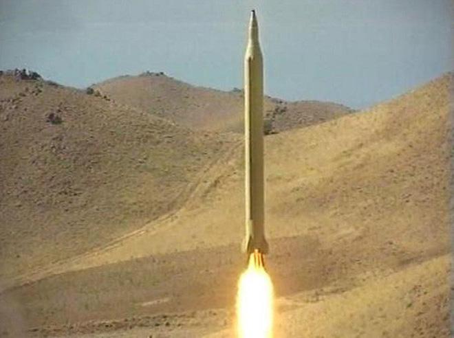 [ẢNH] Tên lửa mang đầu đạn hạt nhân Iran có thể trả đũa Mỹ sau khi tư lệnh bị ám sát - Ảnh 14.