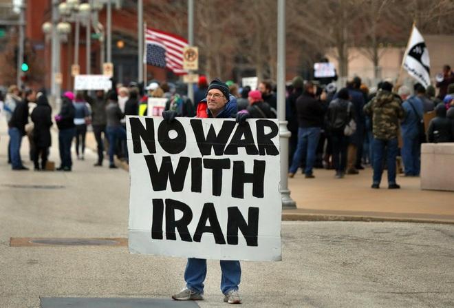 """CẬP NHẬT: TT Trump sẽ dùng kho vũ khí 2.000 tỷ USD để san phẳng Iran – Quốc hội Iraq họp khẩn, quân Mỹ sắp bị """"tống cổ"""" ra khỏi Baghdad? - Ảnh 11."""