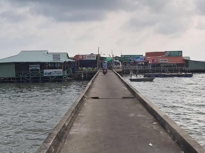 4 người bị tạm giữ vì kích động việc phá dỡ cầu cảng ở Phú Quốc - Ảnh 1.