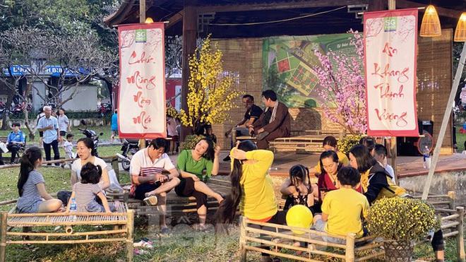 Người Sài Gòn ùn ùn đi chơi Tết sớm - Ảnh 17.