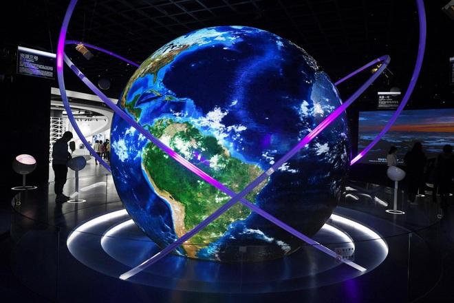 Lo ngại công nghệ rơi vào tay Trung Quốc, Mỹ giới hạn xuất khẩu phần mềm AI  - Ảnh 1.