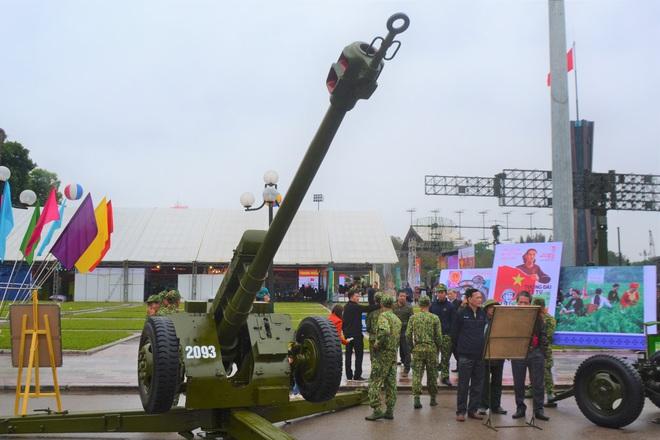 Lần đầu Pháo binh Việt Nam giới thiệu các loại hỏa lực cực mạnh trong biên chế: Gần trọn bộ - Ảnh 1.