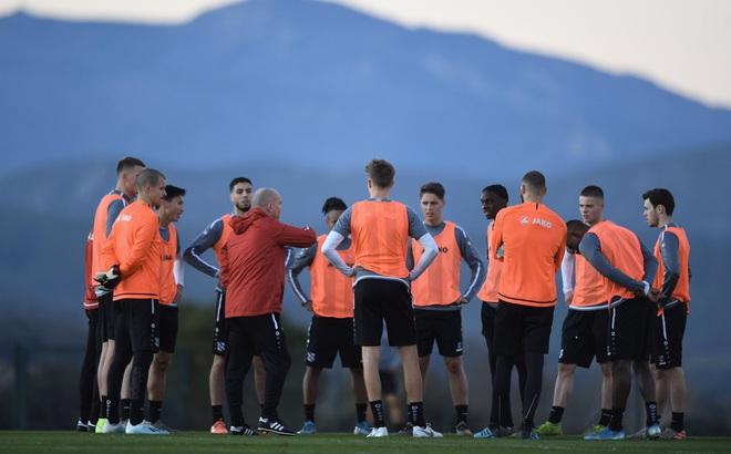 Heerenveen chốt lịch thi đấu, Văn Hậu có thể ra sân cùng ngày cùng giờ với U23 Việt Nam