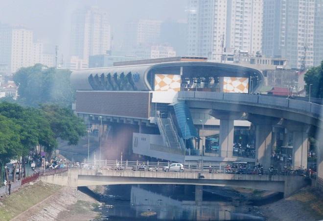 Đường sắt Cát Linh - Hà Đông lại lỡ hẹn: 13 đoàn tàu chưa được kiểm định an toàn - Ảnh 1.