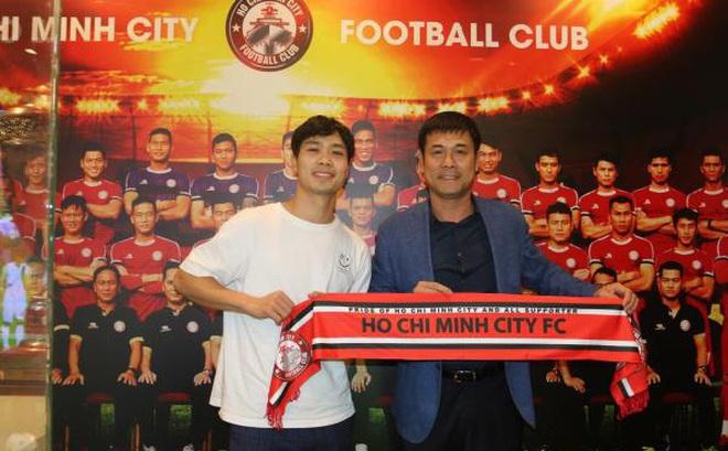 Công Phượng ra mắt CLB TP.HCM: Về Việt Nam đá bóng vui hơn