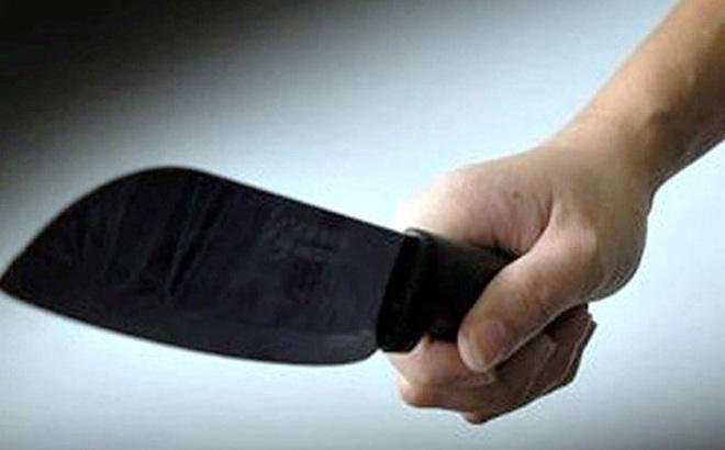 [NÓNG] Ông lão hơn 70 tuổi cầm dao chém bị thương 3 người trong gia đình em gái ở Hà Nội