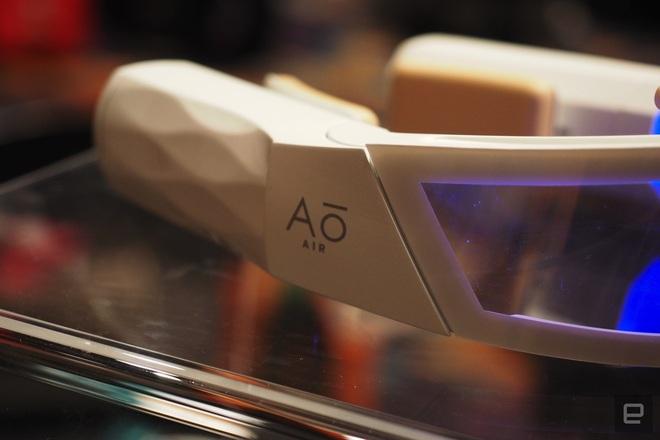 [CES 2020] Chê khẩu trang thường chất lượng kém, hãng này tạo ra khẩu trang công nghệ cao, siêu dị, siêu đắt tiền - Ảnh 4.