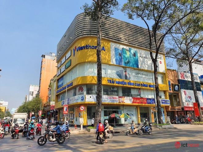 Hình ảnh hàng loạt cửa hàng Viễn Thông A đóng cửa, dấu ấn của anh cả ngành bán lẻ sắp biến mất - Ảnh 2.