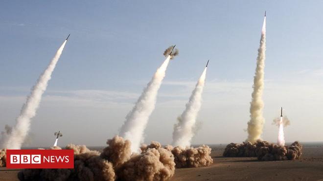 CẬP NHẬT: 2 mũi tiến công trên biển áp sát Iran, tàu ngầm Anh sẵn sàng phóng tên lửa, B-52 Mỹ xuất kích - Iran chuẩn bị ứng chiến - Ảnh 18.