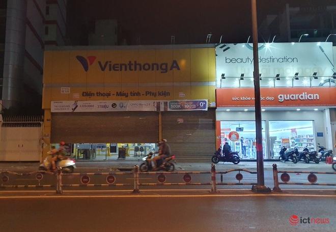 Hình ảnh hàng loạt cửa hàng Viễn Thông A đóng cửa, dấu ấn của anh cả ngành bán lẻ sắp biến mất - Ảnh 10.