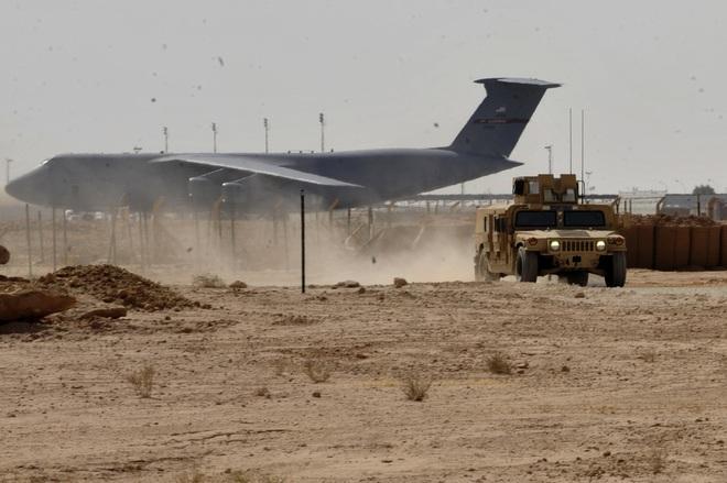 Đưa pháo đài bay B-52 án ngữ cửa ngõ Baghdad, Mỹ không có ý định rút quân khỏi Iraq - Ảnh 1.