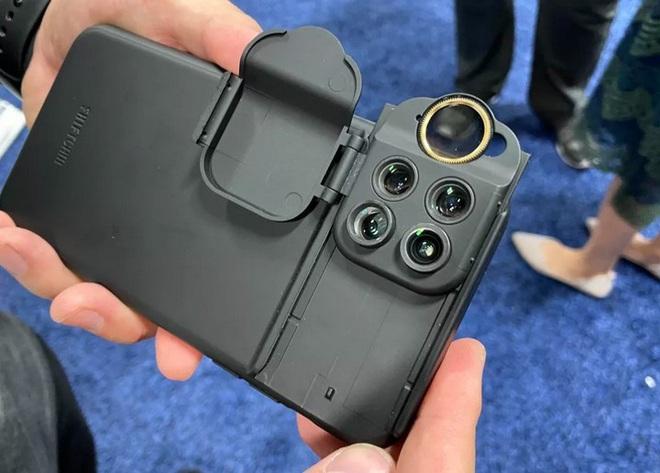 Với chiếc ốp lưng thú vị này, người dùng iPhone 11 muốn bao nhiêu ống kính cũng được - Ảnh 3.