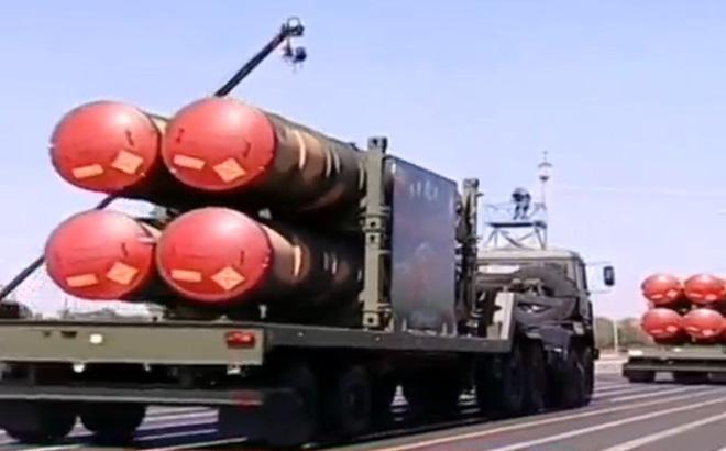 """Nghênh đón """"đòn trừng phạt"""" của Mỹ, Iran đang có trong tay các """"quân bài tẩy"""" quân sự?"""