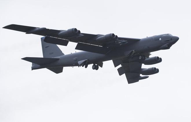 Đưa pháo đài bay B-52 án ngữ cửa ngõ Baghdad, Mỹ không có ý định rút quân khỏi Iraq - Ảnh 2.