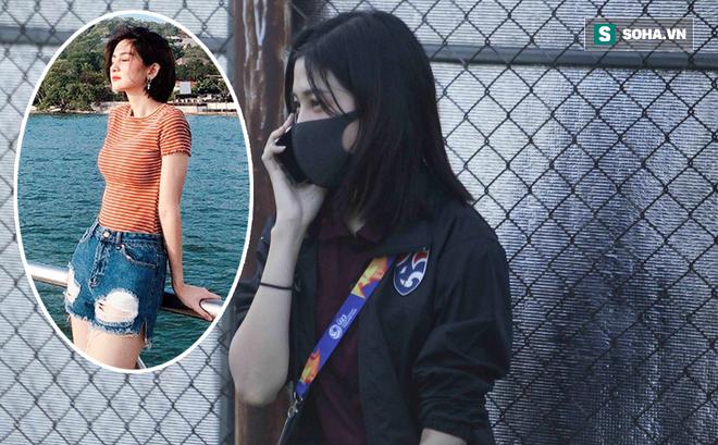 Hot girl dẫn đoàn U23 châu Á ngại ngùng, tránh lộ mặt sau sự nổi tiếng bất ngờ ở Việt Nam