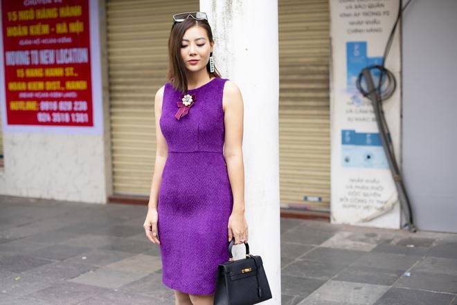 Thanh Hương mặc đơn giản vẫn nổi bật trên đường phố - Ảnh 2.