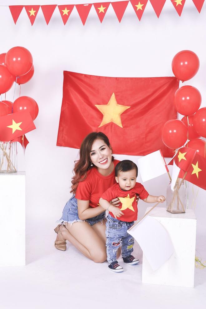 Mẹ con Mai Thỏ cuồng nhiệt cổ vũ đội tuyển Việt Nam - Ảnh 7.