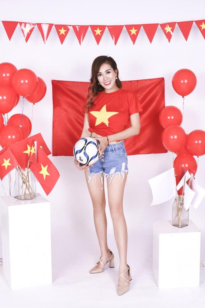 Mẹ con Mai Thỏ cuồng nhiệt cổ vũ đội tuyển Việt Nam - Ảnh 5.