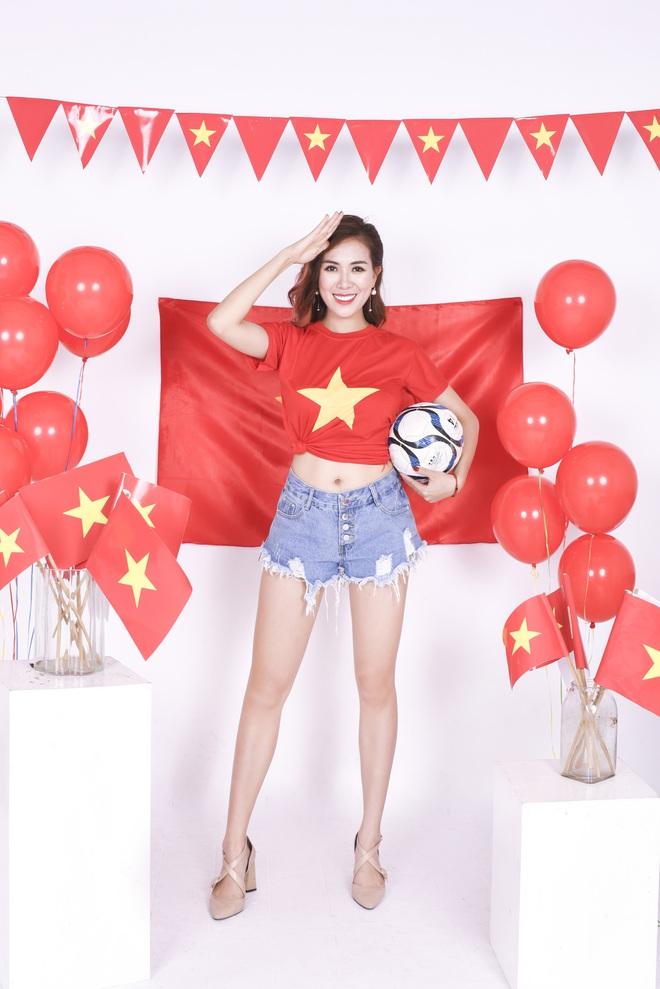 Mẹ con Mai Thỏ cuồng nhiệt cổ vũ đội tuyển Việt Nam - Ảnh 4.