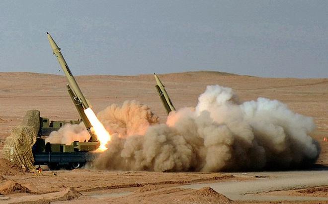 NÓNG: 11/15 tên lửa đạn đạo khai hỏa trúng đích, Iran đã sử dụng loại vũ khí gì?