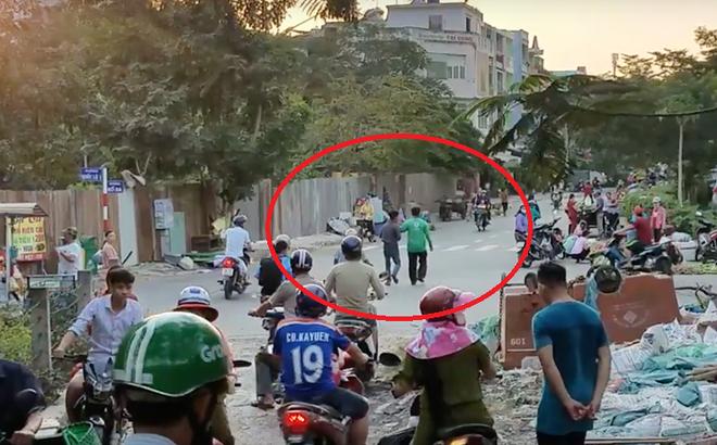 Uống chai nước trả bằng tờ 500 nghìn đồng, người đàn ông bị nhóm người lạ vây đánh ở Sài Gòn
