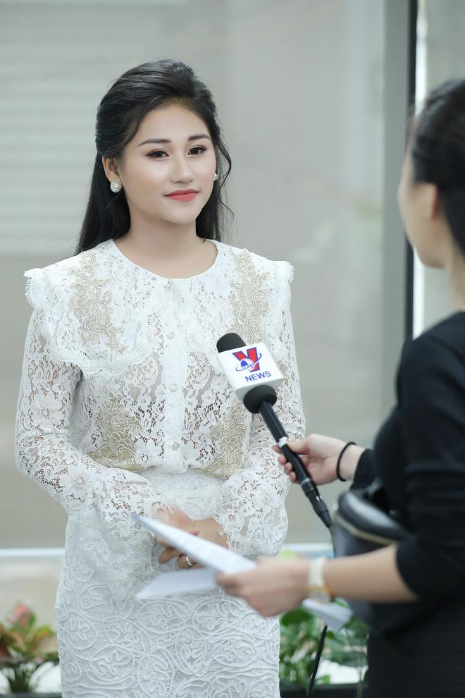 Nữ ca sĩ 19 tuổi - Lê Minh Ngọc: Ngày nhỏ, tôi nghịch lắm, mẹ nhiều lần đã phải khóc vì tôi - Ảnh 1.