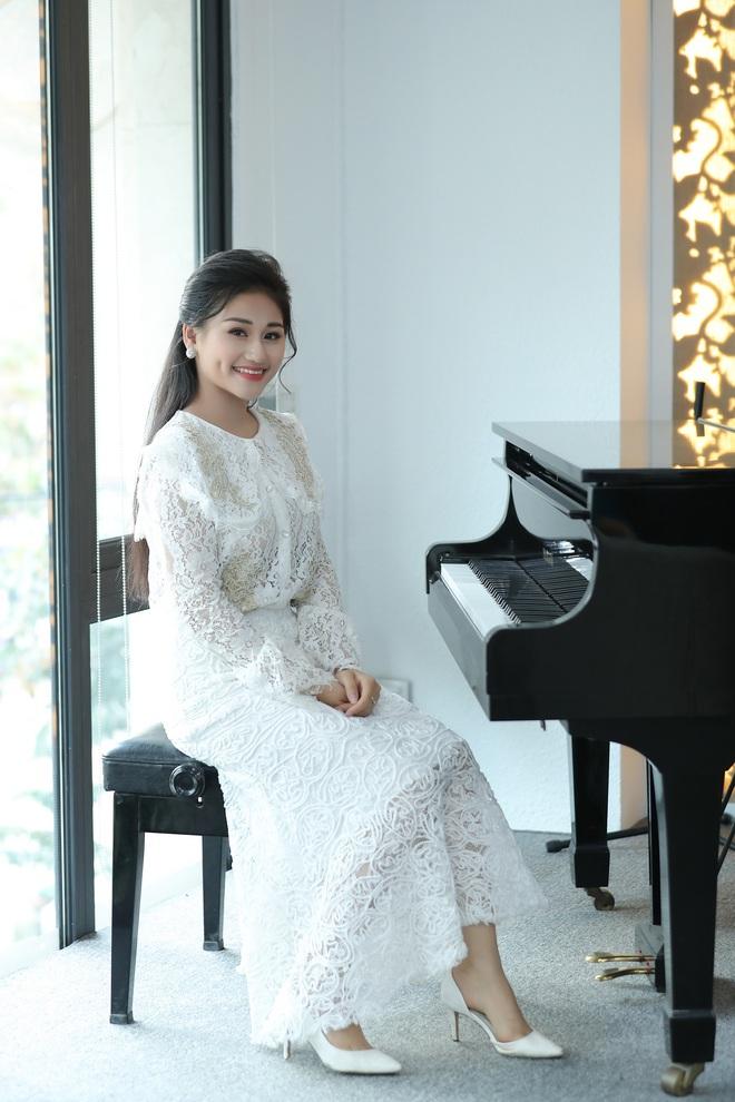Nữ ca sĩ 19 tuổi - Lê Minh Ngọc: Ngày nhỏ, tôi nghịch lắm, mẹ nhiều lần đã phải khóc vì tôi - Ảnh 6.