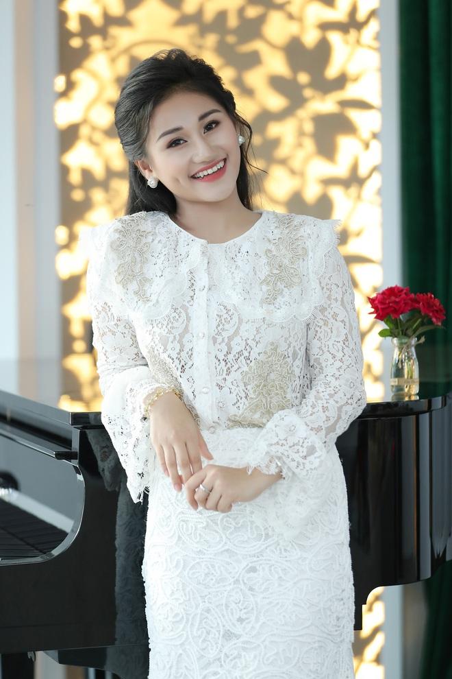 Nữ ca sĩ 19 tuổi - Lê Minh Ngọc: Ngày nhỏ, tôi nghịch lắm, mẹ nhiều lần đã phải khóc vì tôi - Ảnh 4.