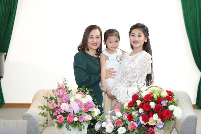 Nữ ca sĩ 19 tuổi - Lê Minh Ngọc: Ngày nhỏ, tôi nghịch lắm, mẹ nhiều lần đã phải khóc vì tôi - Ảnh 7.