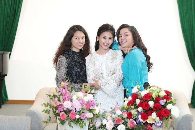 Nữ ca sĩ 19 tuổi - Lê Minh Ngọc: Ngày nhỏ, tôi nghịch lắm, mẹ nhiều lần đã phải khóc vì tôi - Ảnh 11.