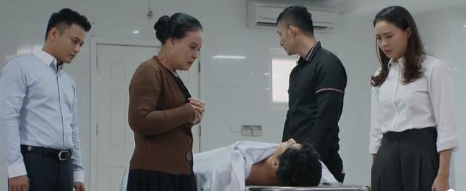 Để Thái tự sát rồi hiến tim, Khang Hoa hồng trên ngực trái: Tôi cũng không đồng ý với chi tiết này! - Ảnh 2.