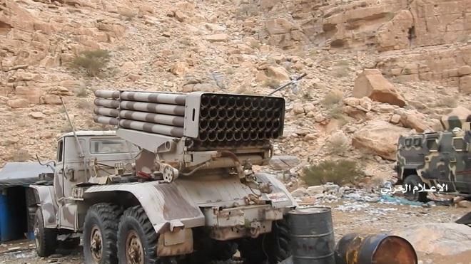 Houthi gây địa chấn, diệt-bắt 300 xe và 3.500 lính liên quân Saudi: Lần thứ 2 khủng khiếp - Ảnh 10.