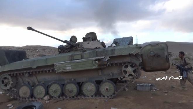 Houthi gây địa chấn, diệt-bắt 300 xe và 3.500 lính liên quân Saudi: Lần thứ 2 khủng khiếp - Ảnh 5.