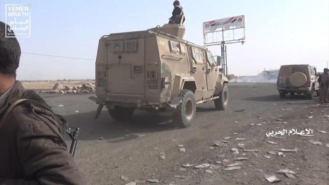 Houthi gây địa chấn, diệt-bắt 300 xe và 3.500 lính liên quân Saudi: Lần thứ 2 khủng khiếp - Ảnh 6.