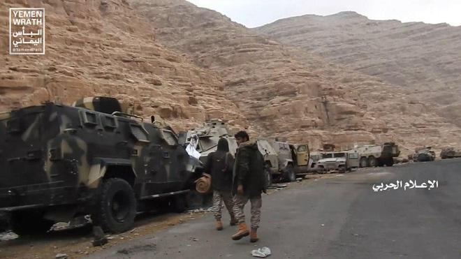 Houthi gây địa chấn, diệt-bắt 300 xe và 3.500 lính liên quân Saudi: Lần thứ 2 khủng khiếp - Ảnh 13.