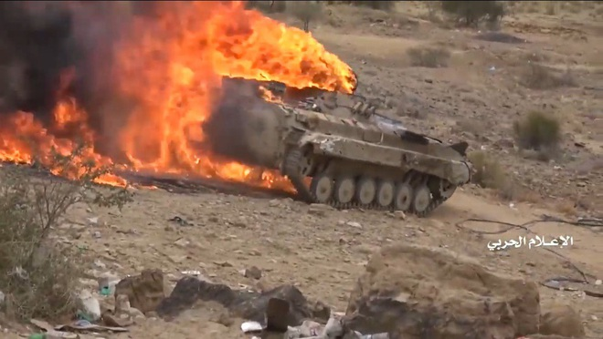 Houthi gây địa chấn, diệt-bắt 300 xe và 3.500 lính liên quân Saudi: Lần thứ 2 khủng khiếp - Ảnh 4.