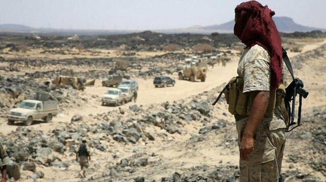 Houthi gây địa chấn, diệt-bắt 300 xe và 3.500 lính liên quân Saudi: Lần thứ 2 khủng khiếp - Ảnh 9.