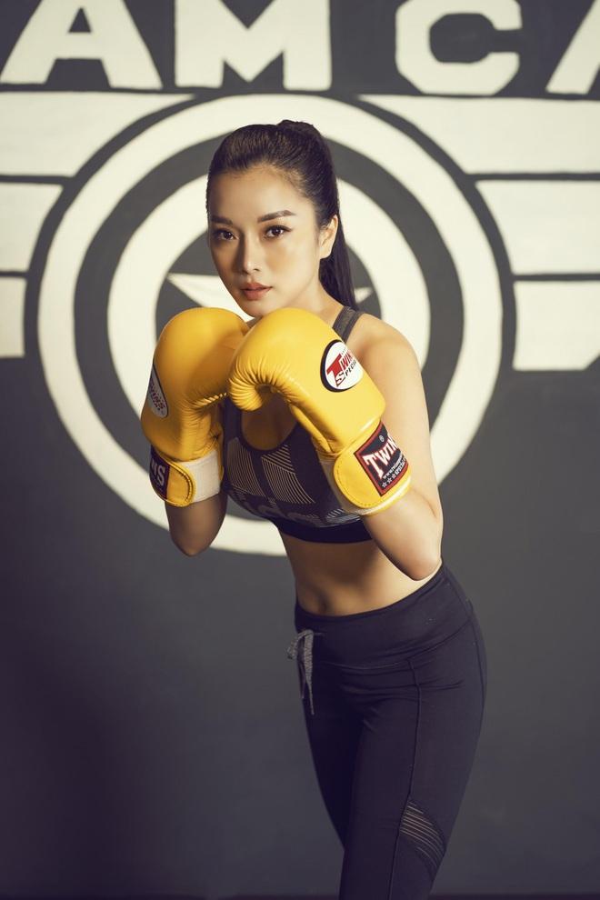 Nhà thiết kế Thùy Victory khoe vóc dáng gợi cảm ở phòng tập gym - Ảnh 7.